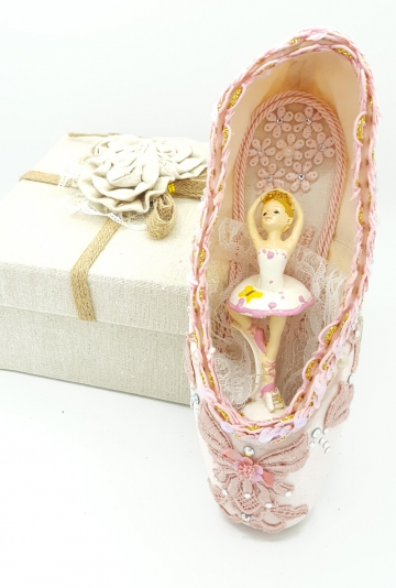 Pointe shoes art Twelve